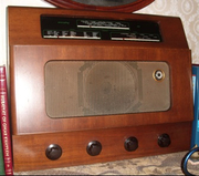 Murphy model 186,  3 band valve radio from the '1950s'
