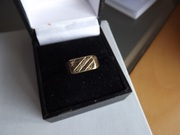9ct gold  diamond signet  ring size N
