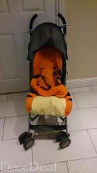 MacLaren Stroller with foot muff