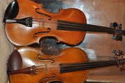2 excellent violins for sale:-  Klotz copy €2, 500		Student violin €750